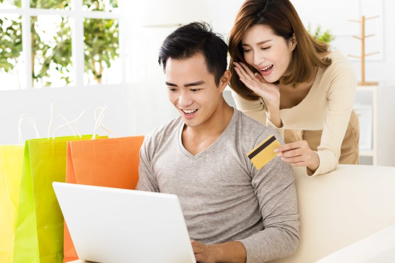 Online Banking Young Asian Couple