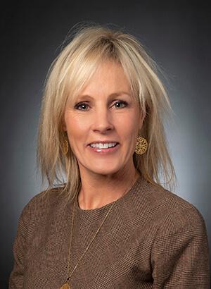 Karen Watson headshot