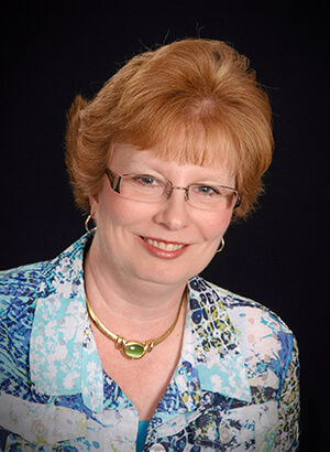 Pam Bayer headshot